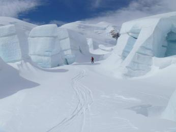 Skiing through ice blocks