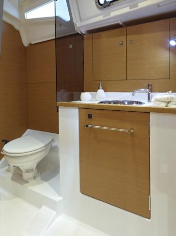 boat-379_interieur_20110706144759