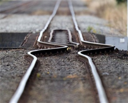 earthquake-rails_1832812c